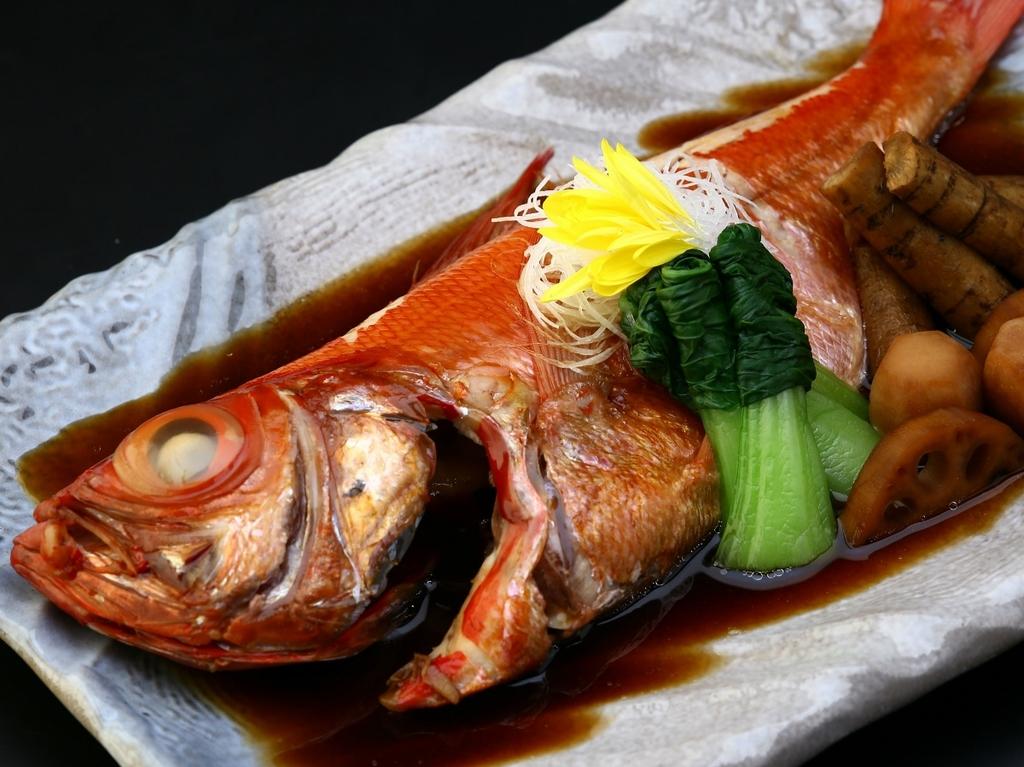 伊豆近海で獲れた大ぶりな金目鯛煮つけ♪