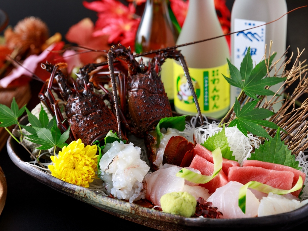 季節ごとに素材を生かしたおすすめの調理法でご提供いたします ※伊勢海老料理イメージ
