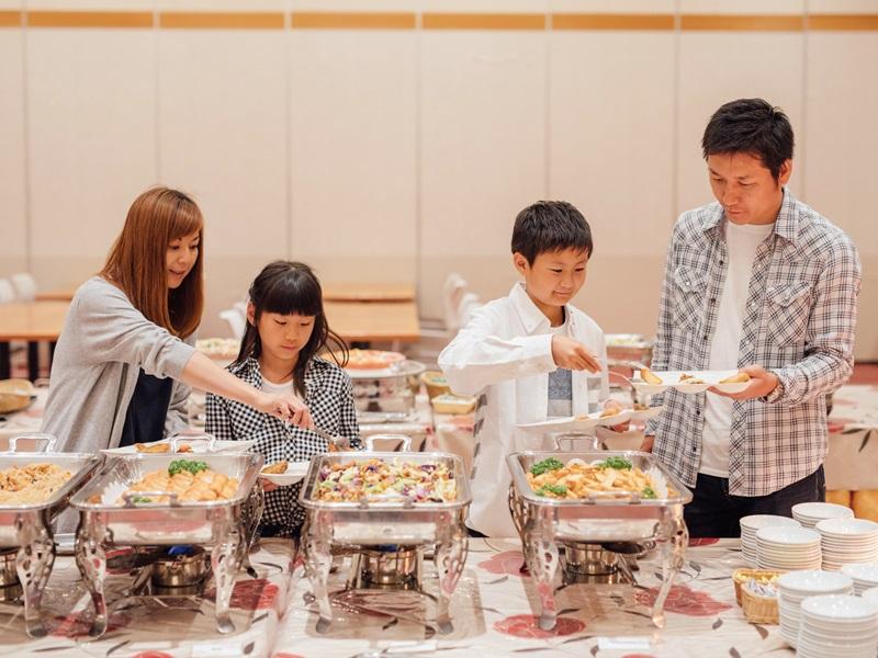 【夕食:バイキング一例】好きな物を好きなだけ食べよう!!