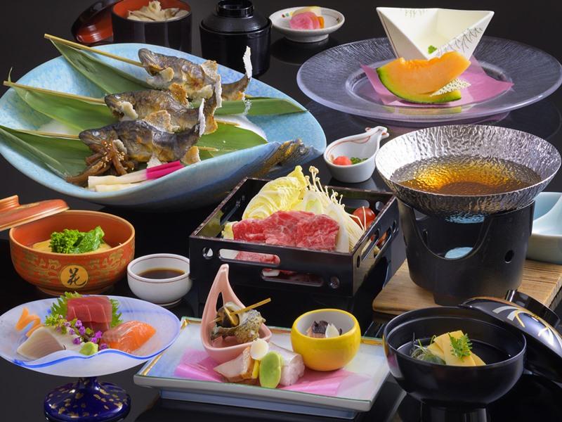 和食【横岳会席】一例。富士山麓牛と旬の素材を使用した和会席
