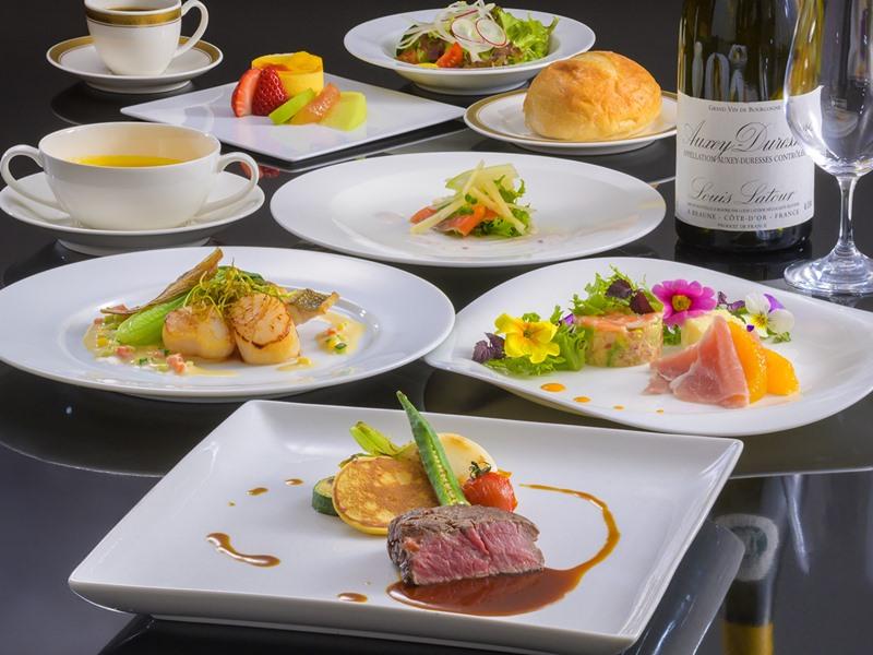【ルプラトー】一例。新鮮な海の恵みと甲州特産の素材を使った洋食コース