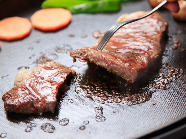 柔らかな信州産牛ステーキを召し上がれ♪