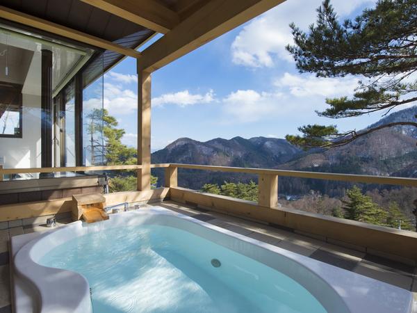 露天風呂でプライベート温泉を満喫