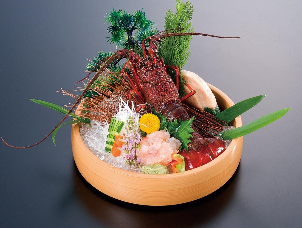 選べる一品:伊勢海老料理一例