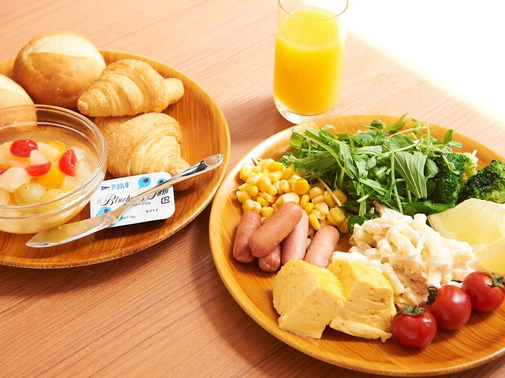 朝食はビュッフェをご利用ください。