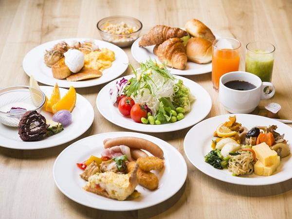 朝食は約70種類の和洋ビュッフェ