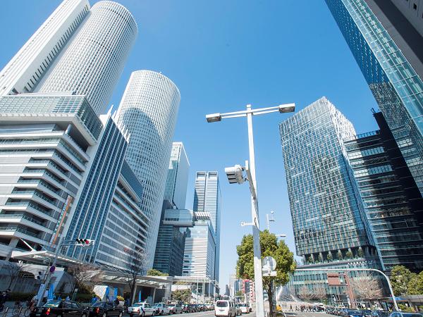 高層ビルが立ち並ぶ名古屋駅前