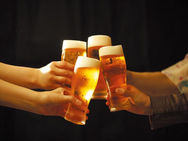 生ビール・酎ハイ・日本酒などが飲み放題※イメージ