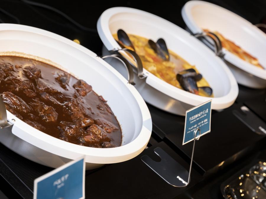 ディナーブッフェ ブイヤベースや煮込み料理なども温かいままお出しします
