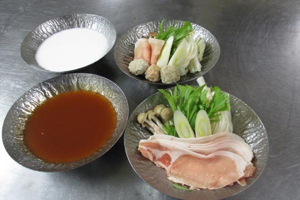 発酵鍋「豚キムチ鍋」と「粕味噌鍋」