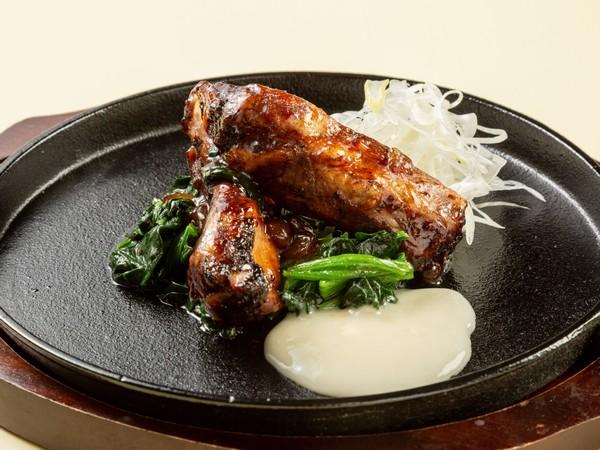 北海道産豚スペアリブの柔らか焼き〜とろとろチーズと共に〜
