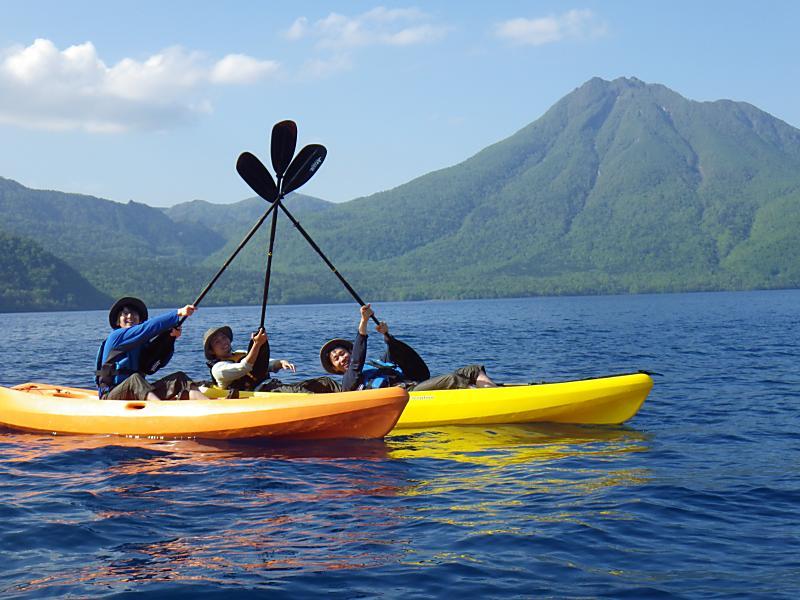 支笏湖でカヤック