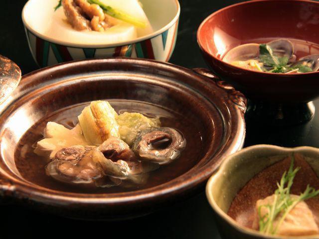 【冬会席-基本膳】アサリ貝の潮汁やスッポン鍋