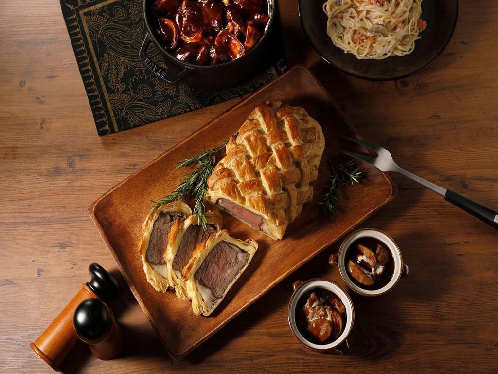 【オータムフェア】ローストビーフのパイ包
