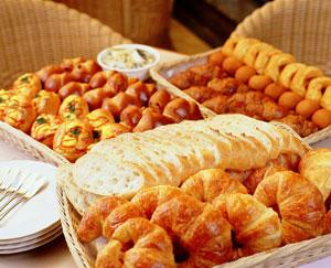 岡山木村屋の焼き立てのパン