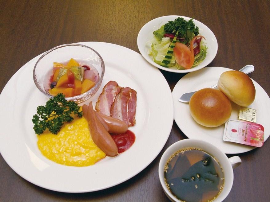 朝食盛付例(和洋バイキング形式でのご用意)