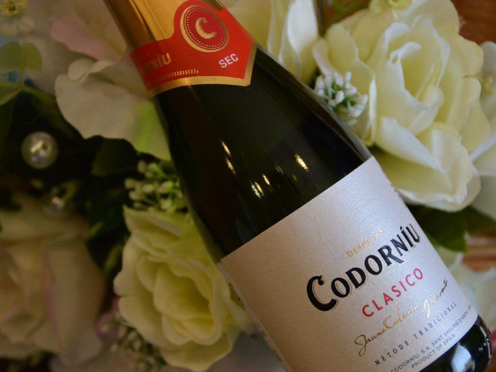 スパークリングワインを楽しむ