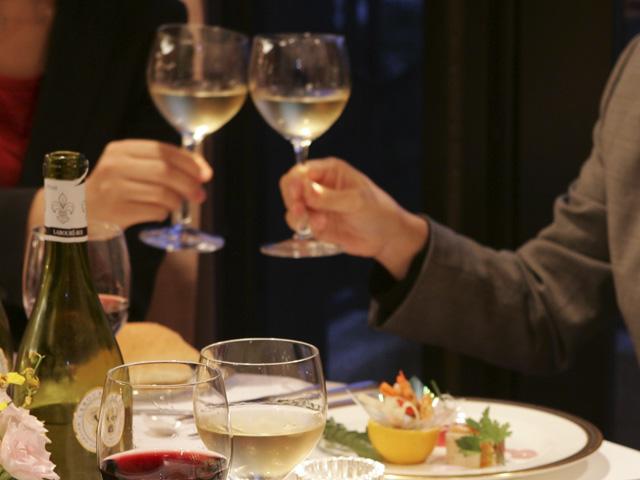 大切な人との素敵なディナーをお愉しみください。