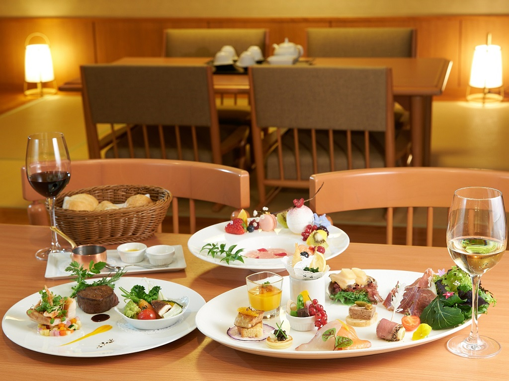 温泉付き和洋室でのご夕食(フランス料理イメージ)