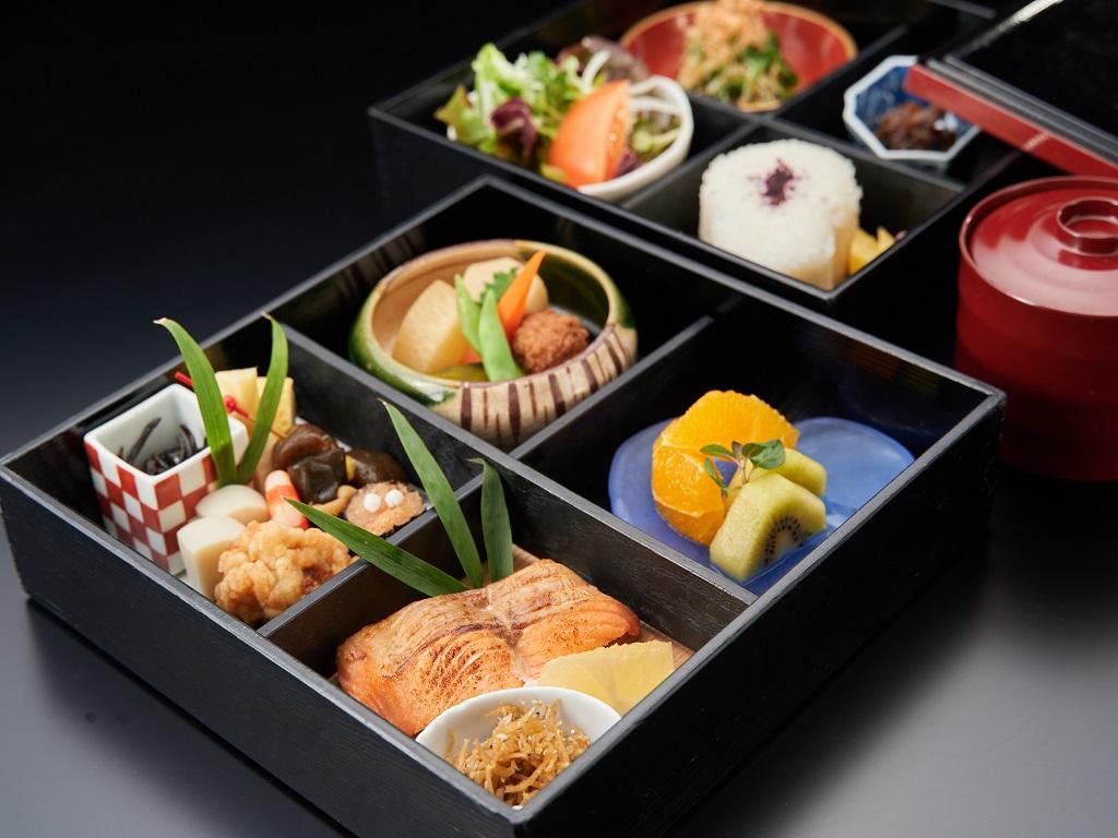 密を避けてお部屋で召しあがれる松花堂スタイルのご朝食