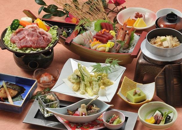 鮮魚の舟盛と春野菜会席