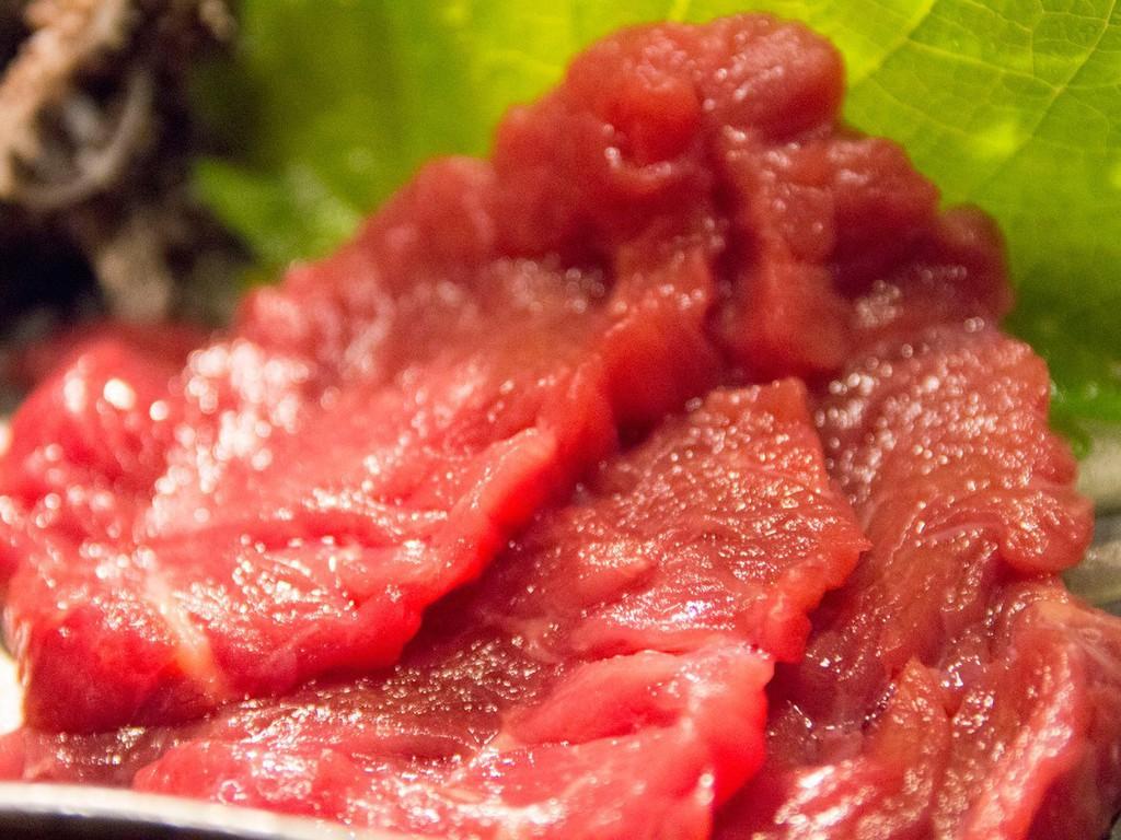 〜生の味わいを堪能 馬刺し〜 特製タレでさっぱりと♪※産地は時期により異なります。