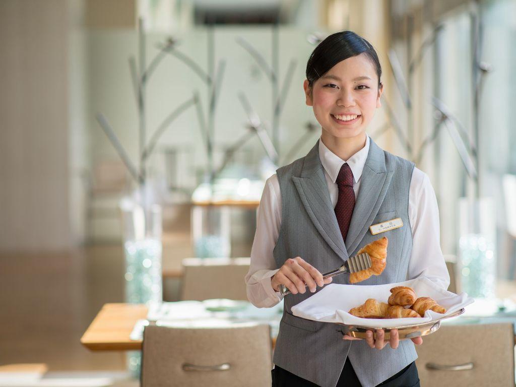 【北の彩り朝食ブッフェ】たっぷり野菜の前菜に、北海道らしい料理の数々、焼きたてのクロワッサンなどワクワクするブッフェを!