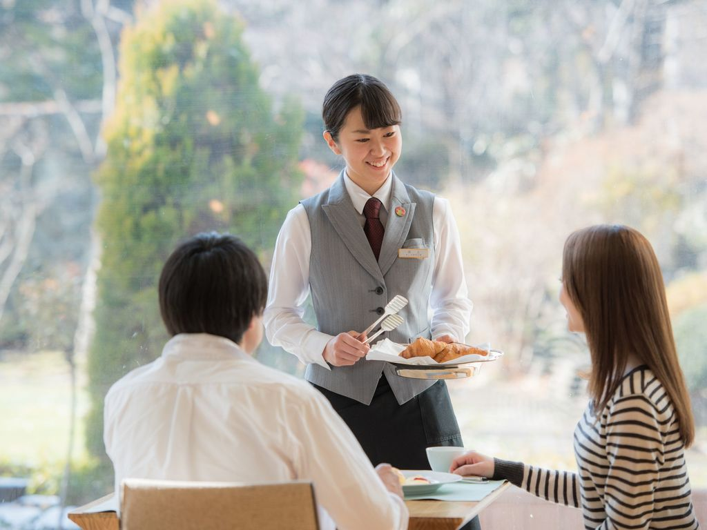 【北の彩り朝食ブッフェ】出来たてクロワッサンをお客様のテーブルまでお届けいたします