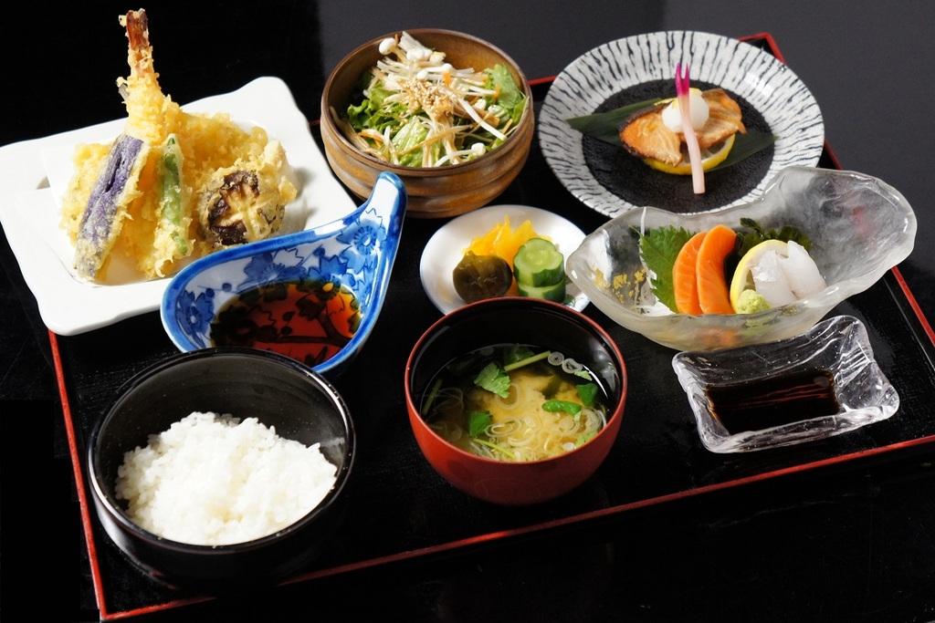 和食御膳(夕食イメージ)
