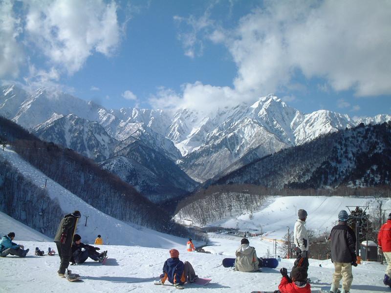 上級者からファミリーまで楽しめるスキー場です