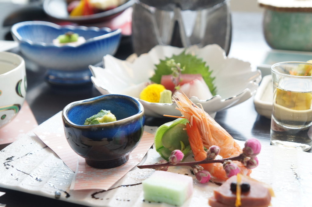 春のあしらいと味覚で愉しむ会席料理
