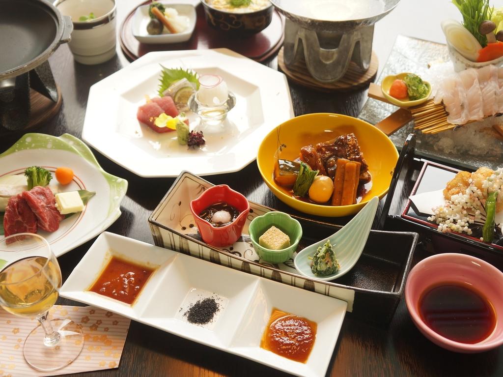 全11品の季節と地域の味覚を集めた会席料理
