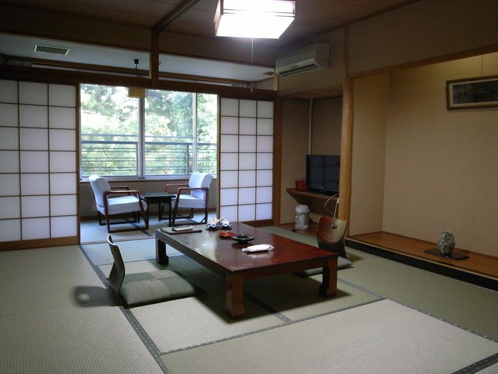 和室10畳バス・トイレ付客室の一例です