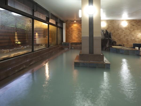 湯畑源泉掛け流しの大浴場 泉