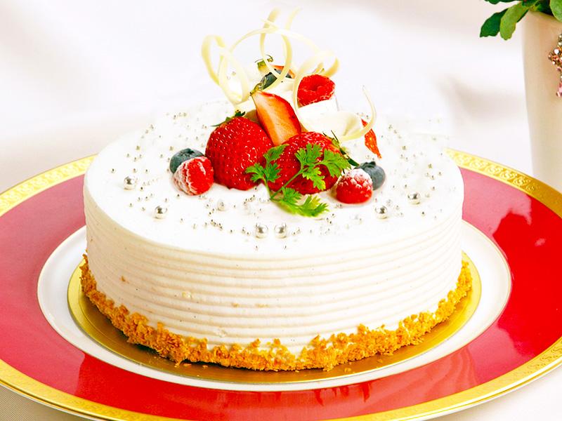 オリジナルケーキ(生クリーム約4号サイズ)をご用意いたします。※イメージ画像