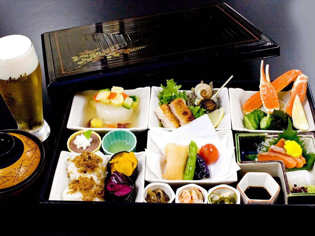 【夕食】松花堂弁当