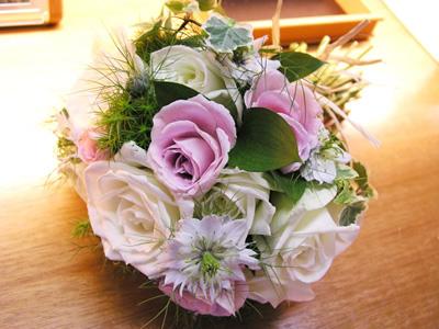 花束またはケーキいずれかプレゼント