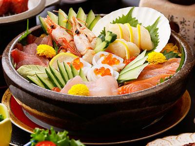 海鮮せご丼(西郷どん懐石)※3名盛りの例