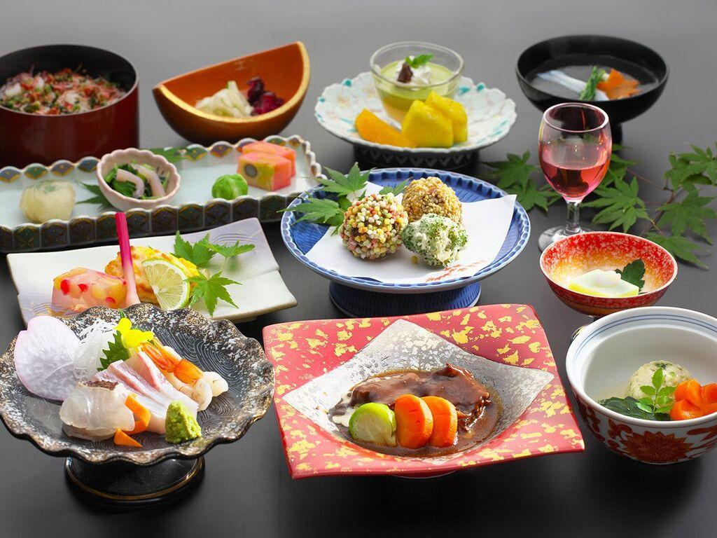 会席料理イメージ ※会席料理の内容は季節により変わります