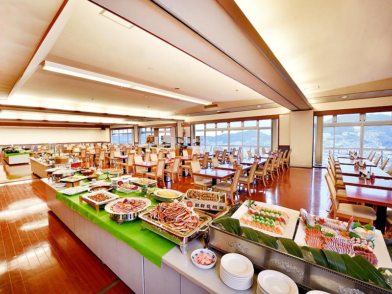 【夕食バイキング】レストラン全体イメージ