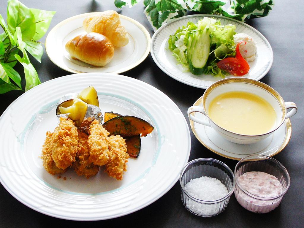 カキフライ タルタルソース&フルールドセル Koto dish
