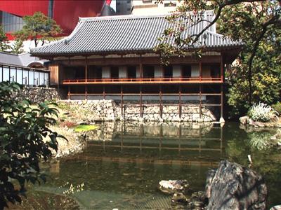 徒歩圏内:小倉城庭園