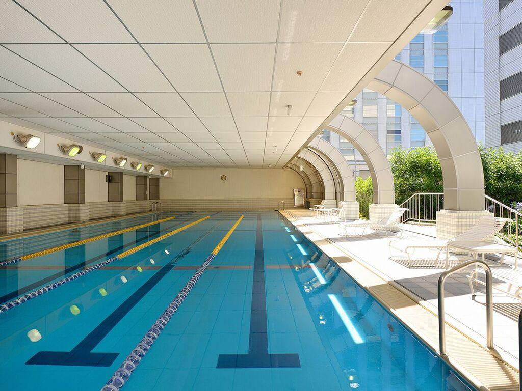 6階 メンバーズクラブ プール