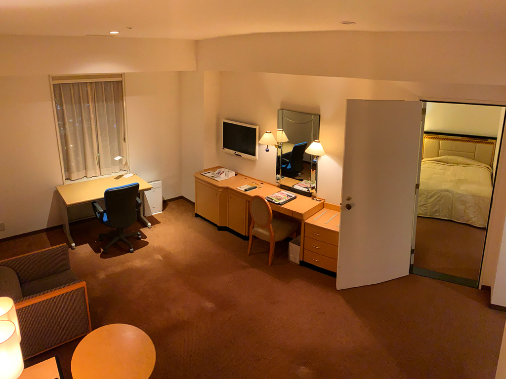 【快適ワーケーション30連泊〜】コネクティングルームで仕事部屋と寝室を使い分け♪