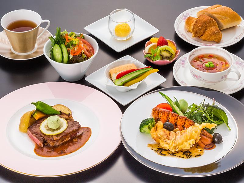 お食事はプラシャンティにて特別メニューをご用意します。※イメージ写真