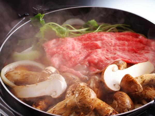 松茸と牛ロースのすき焼き鍋