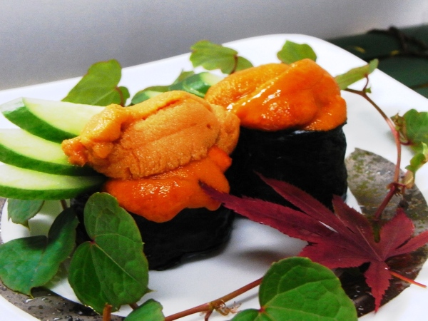 ウニ料理は「造り」または「寿司」をお選びいただけます[一例]