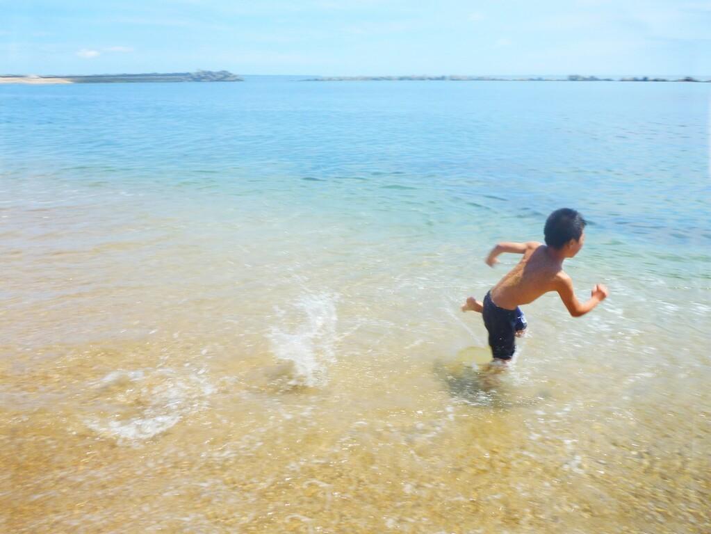 夏は海!悠悠から歩いて15分で海まで行けますよ。