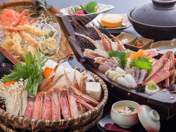 カニ刺し、カニ天ぷら、カニすき鍋など、カニはお一人様に約1杯[一例]