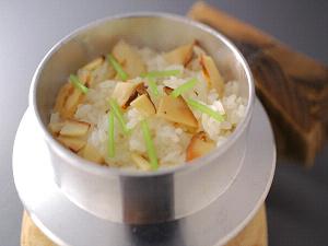 秋の味覚!松茸御飯の釜飯